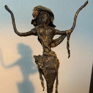 https://skulpturen-design.ch/wp-content/uploads/2021/06/Lady-balck-2gk-300x300.jpg